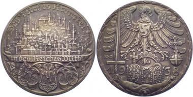 Памятная медаль в честь переноса по указу Гитлера Копья Судьбы и императорских сокровищ 3 октября 1938 года из Вены в Нюрнбергскую церковь Св. Екатерины