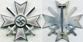 Крест военных заслуг 1-й степени с мечами