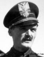 Коль Биб Мирака, Министр-Секретарь Албанской фашистской партии в своей оригинальной фуражке