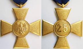 """Крест """"25 лет выслуги в Вермахте"""""""