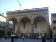 Лоджия деи Ланци (Loggia die Lanze) на площади Синьории во Флоренции