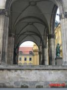 Современный вид восточной стены Фельдхеррнхалле