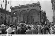 Шествие перед Фельдхеррнхалле в 1960 году