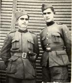 Солдаты (Ushtar) албанской армии в форме образца 1945 года