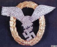 Дубликат знака «Пилот-наблюдатель» в золоте с бриллиантами , принадлежавший Вернеру Баумбаху