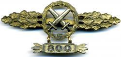 Золотая планка штурмовой авиации Люфтваффе с подвеской с цифрами 300
