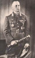 Генерал-фельдмаршал Эрвин Роммель, с парадным фельдмаршальским жезлом