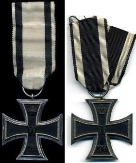 Железные кресты 2-й степени образца 1914 года на лентах за небоевые и боевые заслуги
