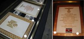 Наградные папки к Дубовым листьям с мечами и Дубовым листьям с мечами и бриллиантами к Рыцарскому кресту Железного креста. Из экспозиции  музея  военной академии США в Вест-Пойнте.
